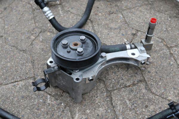 Lenkhilfepumpe Servopumpe M3 E90 E92 E93